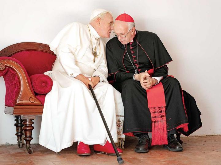 La película que muestra las visiones de Papa Francisco y Benedicto XVI