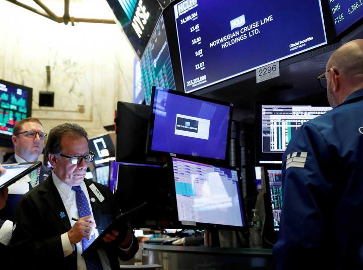 Caída del petróleo arrastra a mercados financieros